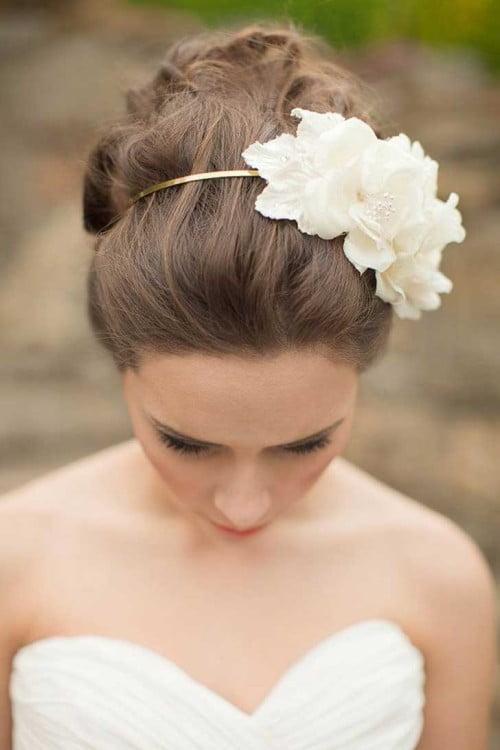 15 peinados 'despeinados' para tu boda  67ad1f8aa3bc