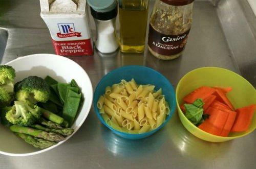 Pasta primavera en 6 simples pasos para deleitar mujer y for Hoya para cocinar