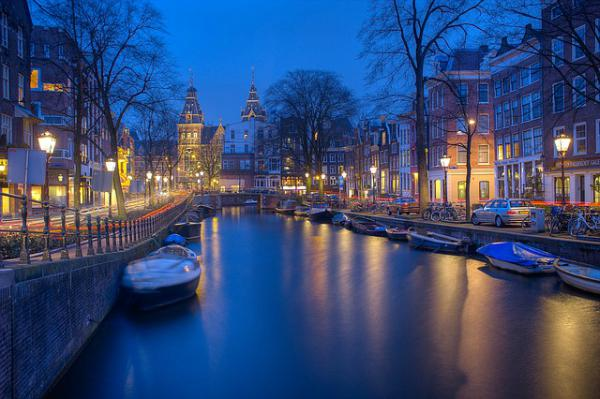 amsterdam-1150319_640-ok