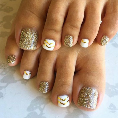 diseños de uñas de pies brillo