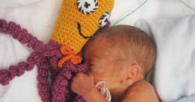 Pulpos a crochet bebé prematuro