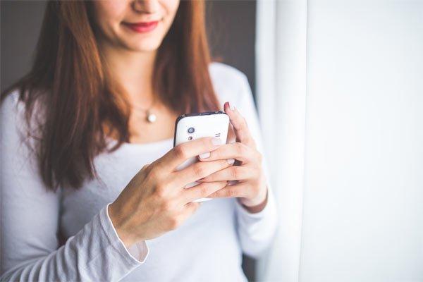 adicta al celular