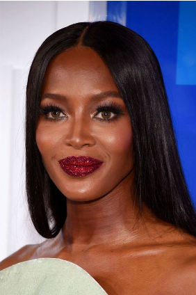 labios glitter naomi