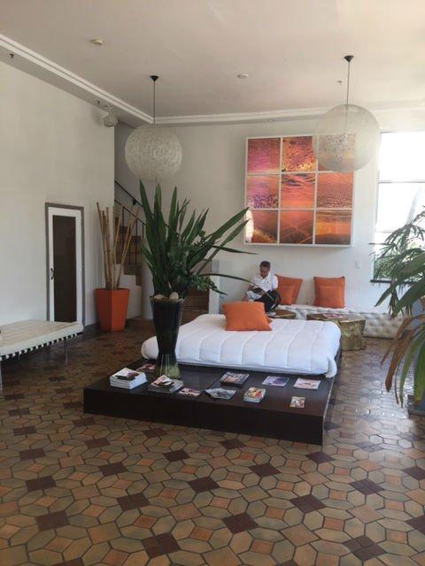 lobby-nassau-suite-hotel