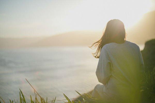 mujer independiente soledad