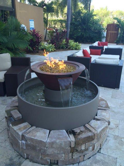 regency-hotel-piscina