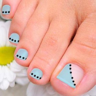 diseños de uñas de pies pasteles