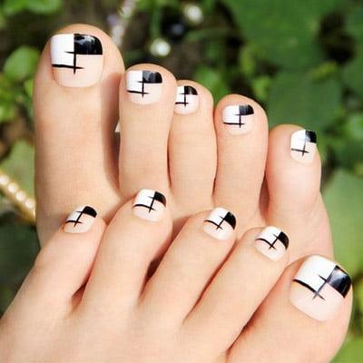 diseños de uñas de pies geométrico