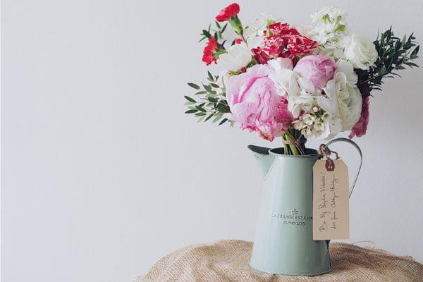 Feliz en casa flores