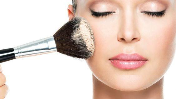 Maquillaje para piel grasa polvo